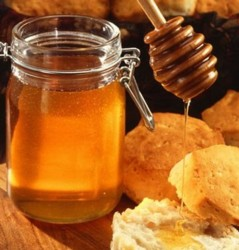 Honey! And the Benefits For Our Skin